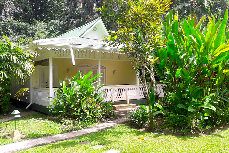 Hotel Cahuita with Swimming Pool